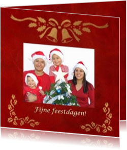 Kerstkaarten maken met eigen foto - kerstkaart christmasdecoration on red background own picture, vk